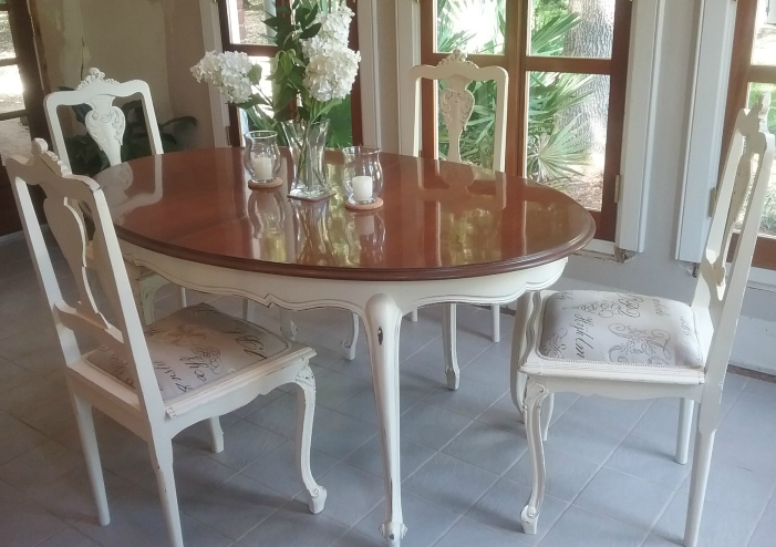 Shabby chic table and chairs | heirloomrestored.com